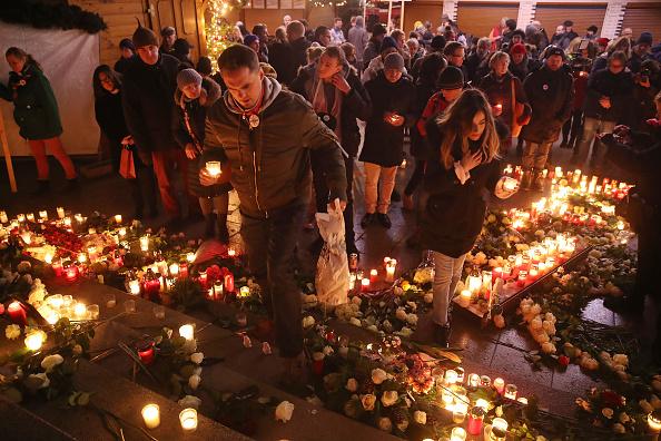 2016 Berlin Christmas Market Attack「Germany Commemorates 2016 Christmas Market Terror Attack」:写真・画像(8)[壁紙.com]