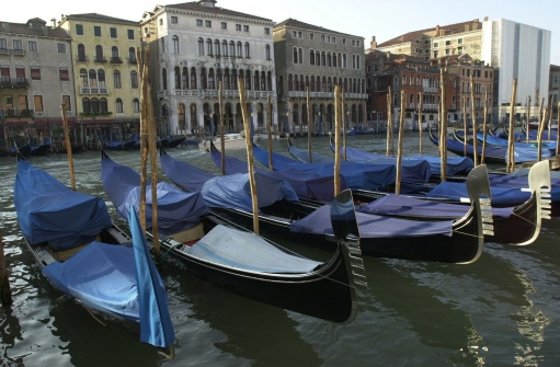 Fairy tale「Array of gondolas docked at a canal in Venice, Italy」:スマホ壁紙(9)