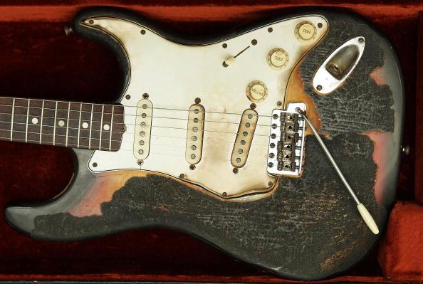 Guitar「Memorabilia Including Elvis Presley's Fingerprints To Be Auctioned」:写真・画像(7)[壁紙.com]