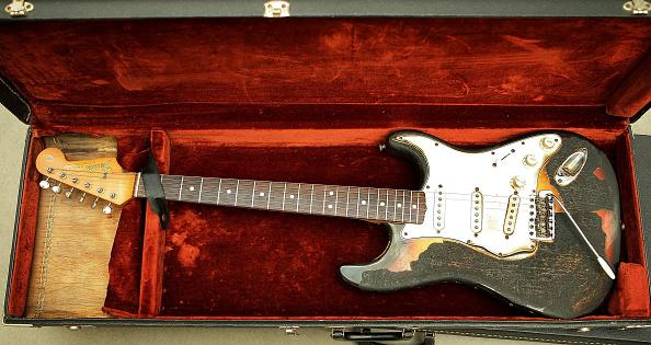 ギター「Memorabilia Including Elvis Presley's Fingerprints To Be Auctioned」:写真・画像(1)[壁紙.com]