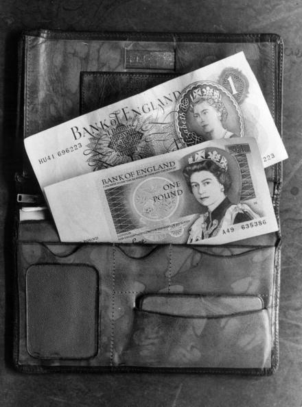 Wallet「Two Pound Notes」:写真・画像(5)[壁紙.com]