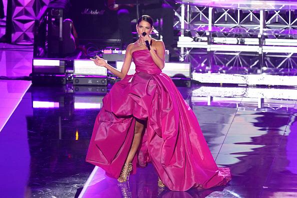 Latin Grammy Awards「The 21st Annual Latin GRAMMY Awards - Show」:写真・画像(19)[壁紙.com]