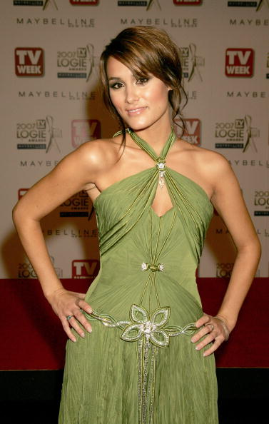 Costume Jewelry「Arrivals At The 2007 TV Week Logie Awards」:写真・画像(1)[壁紙.com]