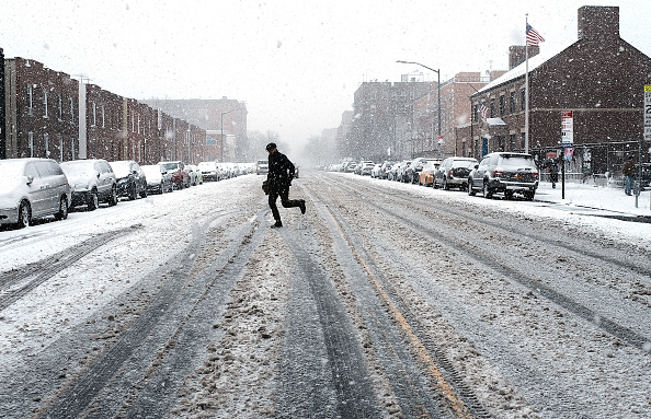 Snow「Storm Brings Snow, Sleet, And High Winds To Mid Atlantic Region On Second Day Of Spring」:写真・画像(8)[壁紙.com]