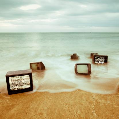 Water's Edge「Televisions」:スマホ壁紙(1)