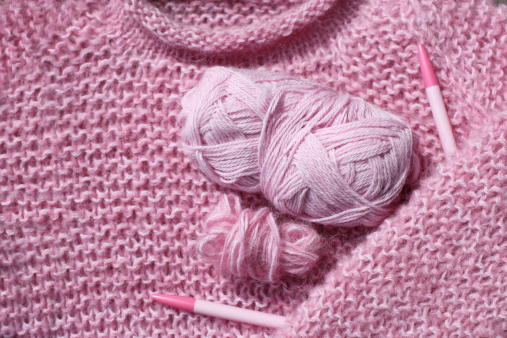 Knitted「Knitted pink sweather, circular needle and two kind of wool」:スマホ壁紙(11)