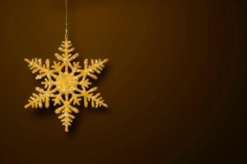雪の結晶「ゴールドのグリッターの結晶デザイン」:スマホ壁紙(10)