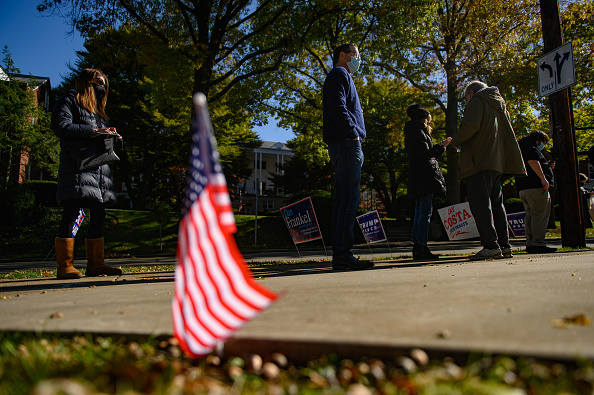 Pennsylvania「Across The U.S. Voters Flock To The Polls On Election Day」:写真・画像(19)[壁紙.com]