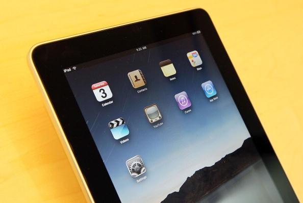 Single Object「Apple iPad Arrives In Stores」:写真・画像(2)[壁紙.com]