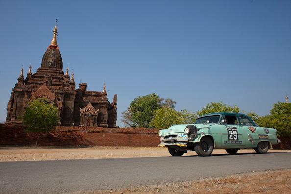 Land Vehicle「Singapore to Myanmar 24-Day Car Rally」:写真・画像(3)[壁紙.com]