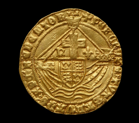 Print Collector「Complete Tudor Gold Hoard (The Asthall Hoard)」:写真・画像(2)[壁紙.com]