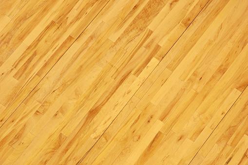 バスケットボール「バスケットボールの写真、木製の床に斜めオーバヘッド」:スマホ壁紙(11)