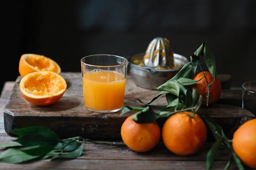 Juice - Drink「Glass of freshly squeezed orange juice」:スマホ壁紙(10)