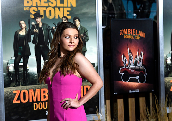 "Alternative Pose「Premiere Of Sony Pictures' ""Zombieland Double Tap"" - Arrivals」:写真・画像(2)[壁紙.com]"