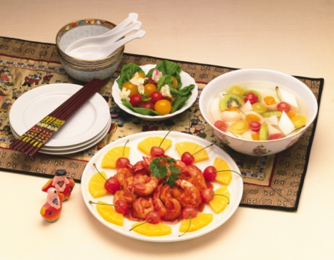 Chili Sauce「Shrimp with chili sauce, salad and almond jelly, high angle view, orange background」:スマホ壁紙(14)