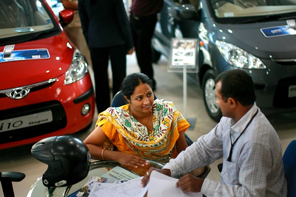 Car Dealership「India's Emerging Middle Class」:写真・画像(4)[壁紙.com]