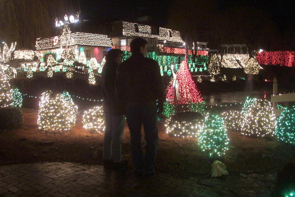 Light Bulb「Holiday Decorations Light Way In New Jersey」:写真・画像(19)[壁紙.com]
