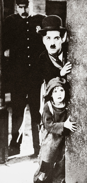 Religious Icon「Charlie Chaplin And Jackie Coogan In 'The Kid' 1921」:写真・画像(7)[壁紙.com]