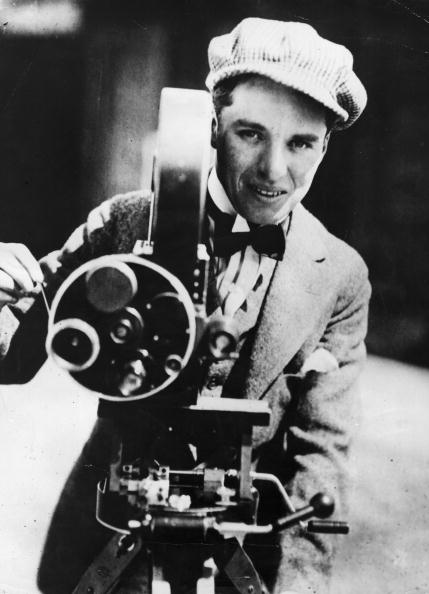 Director「Candid Camera」:写真・画像(6)[壁紙.com]