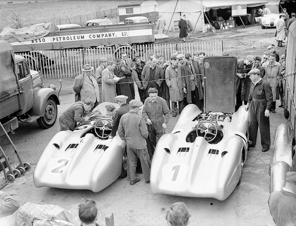 Mechanic「Mercedes Racecars」:写真・画像(14)[壁紙.com]