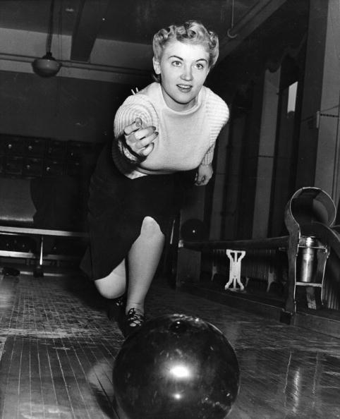 Recreational Pursuit「Indoor Bowling」:写真・画像(2)[壁紙.com]