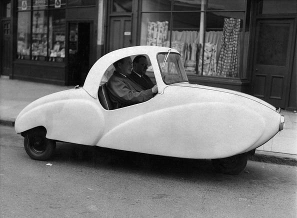 Bizarre Vehicle「All-Plastic Car」:写真・画像(11)[壁紙.com]