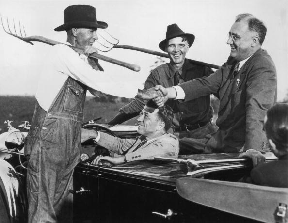 Franklin Roosevelt「Glad Handing」:写真・画像(1)[壁紙.com]
