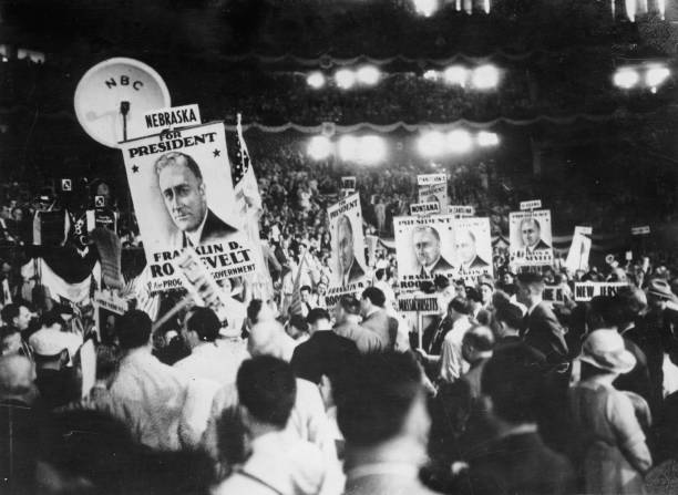 Franklin D. Roosevelt's victory at the Democratic Congress in Chicago. He was elected as presidential candidate for the presidential election in November. Illinois. USA. Photograph. July 8, 1932. :ニュース(壁紙.com)
