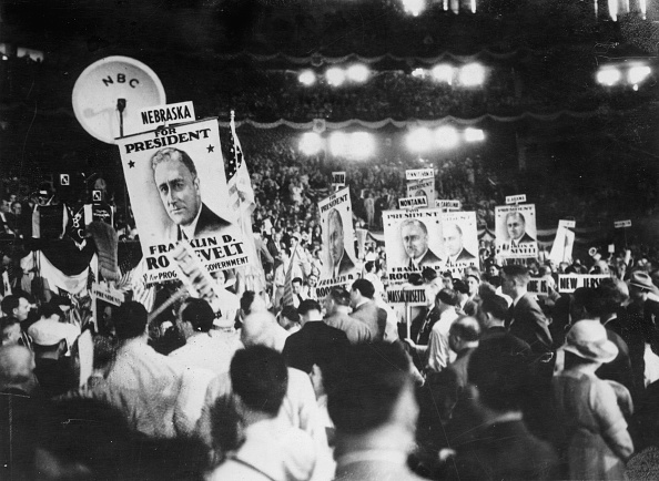 Franklin Roosevelt「Franklin D. Roosevelt's victory at the Democratic Congress in Chicago. He was elected as presidential candidate for the presidential election in November. Illinois. USA. Photograph. July 8, 1932. 」:写真・画像(12)[壁紙.com]