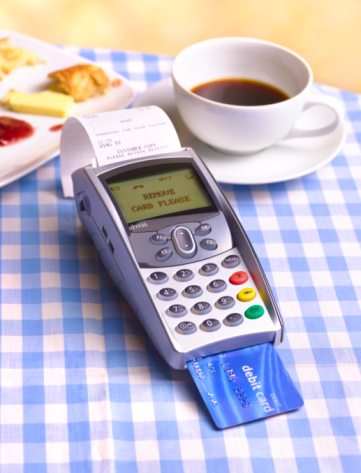 Credit Card「Chip and pin machine on cafe table cloth 」:スマホ壁紙(18)