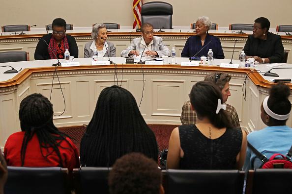 歴史「Former DNC Chairperson Donna Brazile Joins Discussion Celebrating Women's History Month」:写真・画像(16)[壁紙.com]