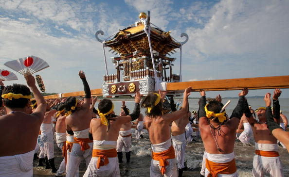 Japan「Naked Festival Entices Thousands To Ohara」:写真・画像(3)[壁紙.com]
