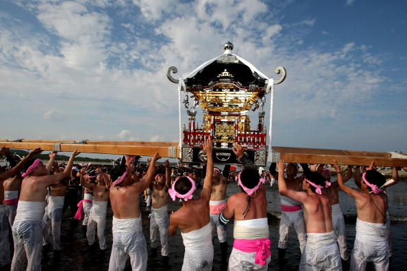 Japan「Naked Festival Entices Thousands To Ohara」:写真・画像(17)[壁紙.com]