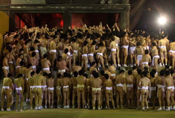 Japan「Saidaiji Temple Naked Festival Takes Place」:写真・画像(2)[壁紙.com]