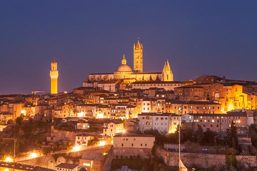 Duomo Di Siena「Il duomo di Siena and the old town」:スマホ壁紙(6)