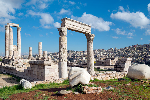 Roman「Hand of Hercules and ruins of the temple at the Amman Citadel, Amman, Jordan」:スマホ壁紙(7)