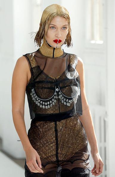 オートクチュール「Maison Margiela : Runway - Paris Fashion Week - Haute Couture Fall/Winter 2017-2018」:写真・画像(8)[壁紙.com]
