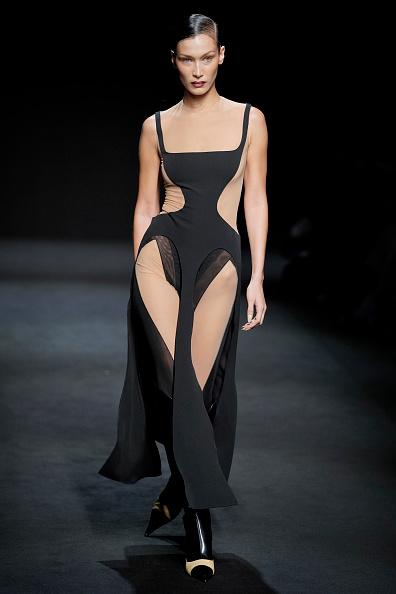 Womenswear「Mugler : Runway - Paris Fashion Week Womenswear Fall/Winter 2020/2021」:写真・画像(17)[壁紙.com]