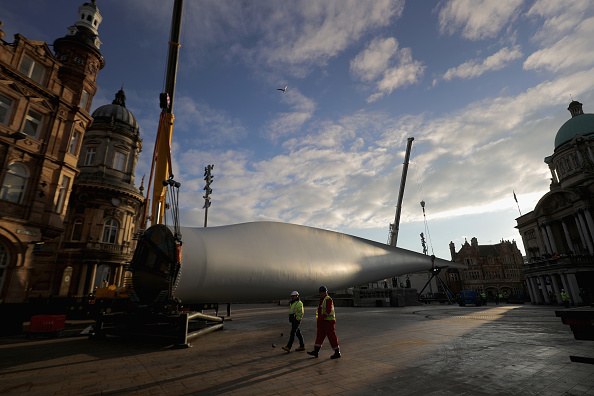 Kingston upon Hull「The Blade Installed in Hull For City of Culture」:写真・画像(12)[壁紙.com]