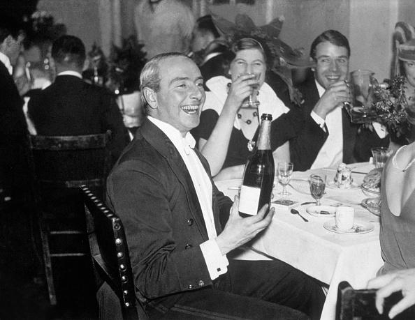 Exclusive「Champagne Toast」:写真・画像(13)[壁紙.com]