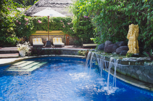 プール「Swimming pool with little waterfall」:スマホ壁紙(0)