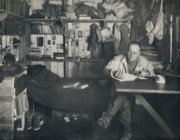 Diary「Captain Scott Writing His Diary In The Hut At Cape Evans」:写真・画像(19)[壁紙.com]