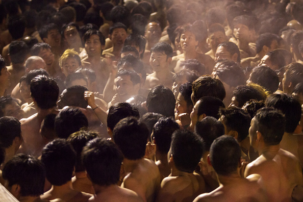 Japan「Naked Festival Takes Place At Saidaiji Temple」:写真・画像(19)[壁紙.com]