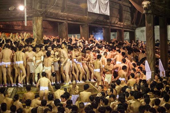 Japan「Naked Festival Takes Place At Saidaiji Temple」:写真・画像(8)[壁紙.com]
