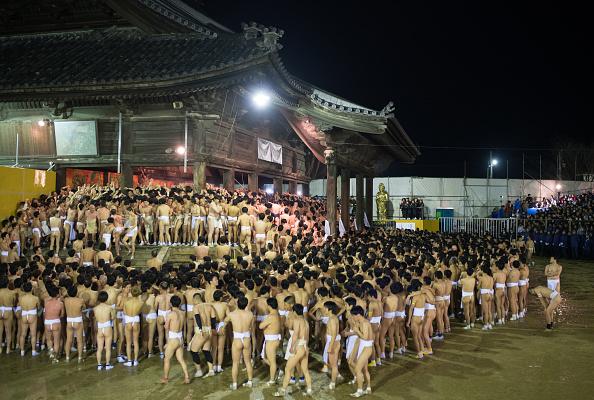 Japan「Naked Festival Takes Place At Saidaiji Temple」:写真・画像(5)[壁紙.com]