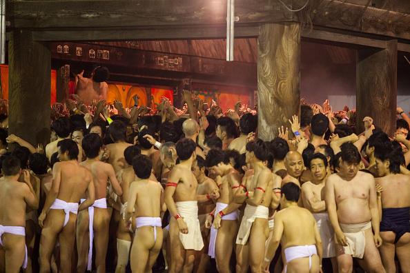 Japan「Naked Festival Takes Place At Saidaiji Temple」:写真・画像(15)[壁紙.com]