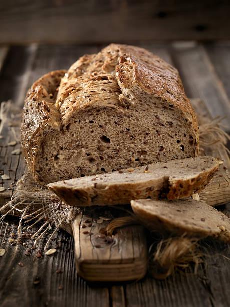 9 Grain Artisan Bread Loaf:スマホ壁紙(壁紙.com)