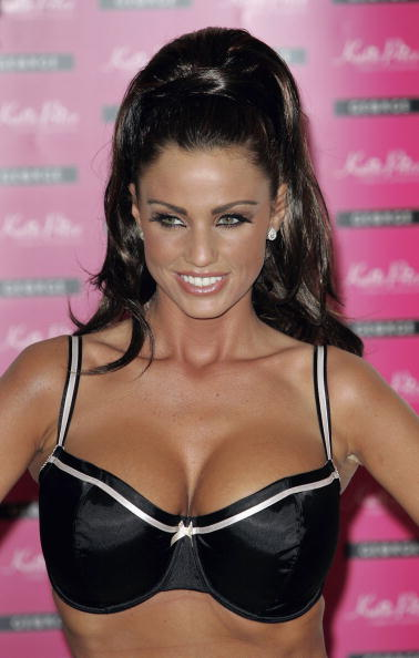 MJ Kim「Katie Price Bra Range - Launch」:写真・画像(2)[壁紙.com]