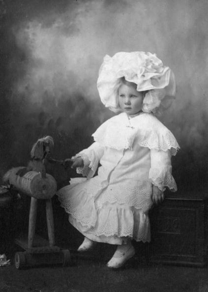 Bonnet「Toy Horse」:写真・画像(1)[壁紙.com]