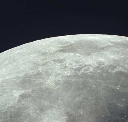 月「Earth's moon taken from the  Apollo 16 spacecraft, april 1972」:スマホ壁紙(10)